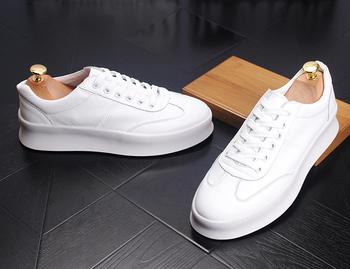 2019 nowy Denim mężczyźni buty w stylu casual buty sportowe męskie męskie buty Lace-Up na świeżym powietrzu buty męskie obuwie dla dorosłych mokasyny męskie wulkanizowane buty tanie i dobre opinie Przypadkowi buty Skóra Split Skóra bydlęca Gumowe Prawdziwej skóry Oddychająca Wysokość zwiększenie Masaż Wiosna jesień