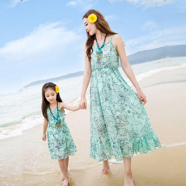 2017 семья посмотрите девушка и мать платье мать дочь платья летний пляж женщины платье макси мама и дочь платье