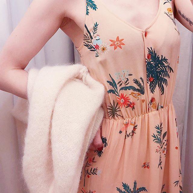 Kobiety różowy kwiat wydruku bez rękawów Midi sukienka 2019 nowy lato V Neck słodki długi sukienka w Suknie od Odzież damska na  Grupa 3