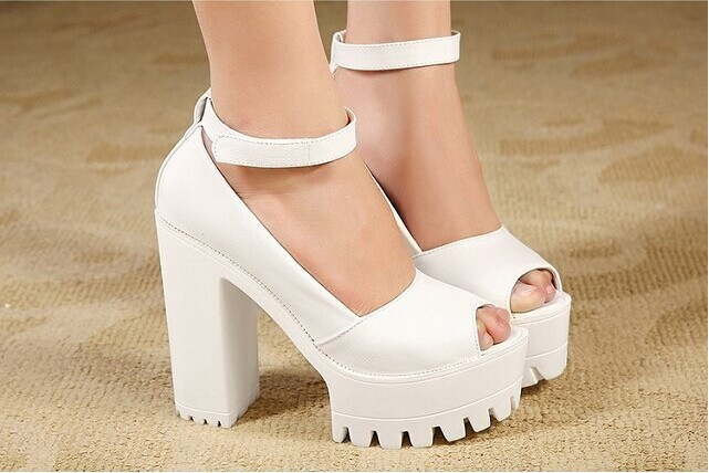 f9232fe1e6f Spring Summer Europe and America Nightclub Peep Toe Sandal Chunky Heels  Platform Women Sandal Korea Style Woman Sandals Shoes-in Women s Sandals  from Shoes ...