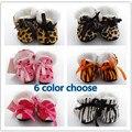 Outono e inverno seção mais espessa botas/sapatos da criança/sapatos de bebê/sapatos casa de exposição pequena estampa de leopardo