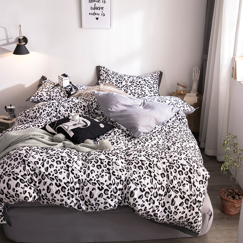 US $36.72 32% OFF|Black Leopard Print Bedding Sets Kids Adults Duvet Cover  Bed Sheet Pillowcase Queen King Bedding Set Luxury fashion bedclothes-in ...