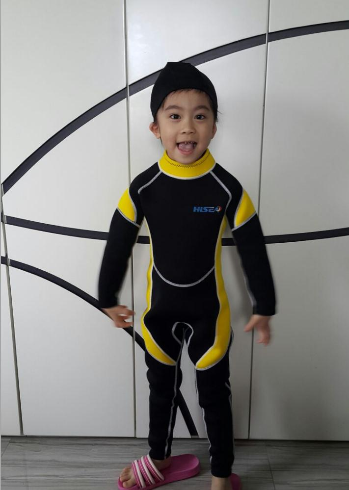 bbc85a2b20 2.5MM Neoprene Wetsuits Kids Swimwears Diving Suits Long Sleeves Boys Girls  Surfing Children Rash Guards ...