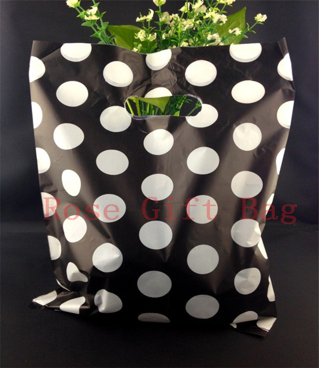 Wholesale White Round Dots Black Plastic Bag 25x35cm Large Jewelry Shopping Packaging Plastic Gift Bags With Handle 50pcs/lot