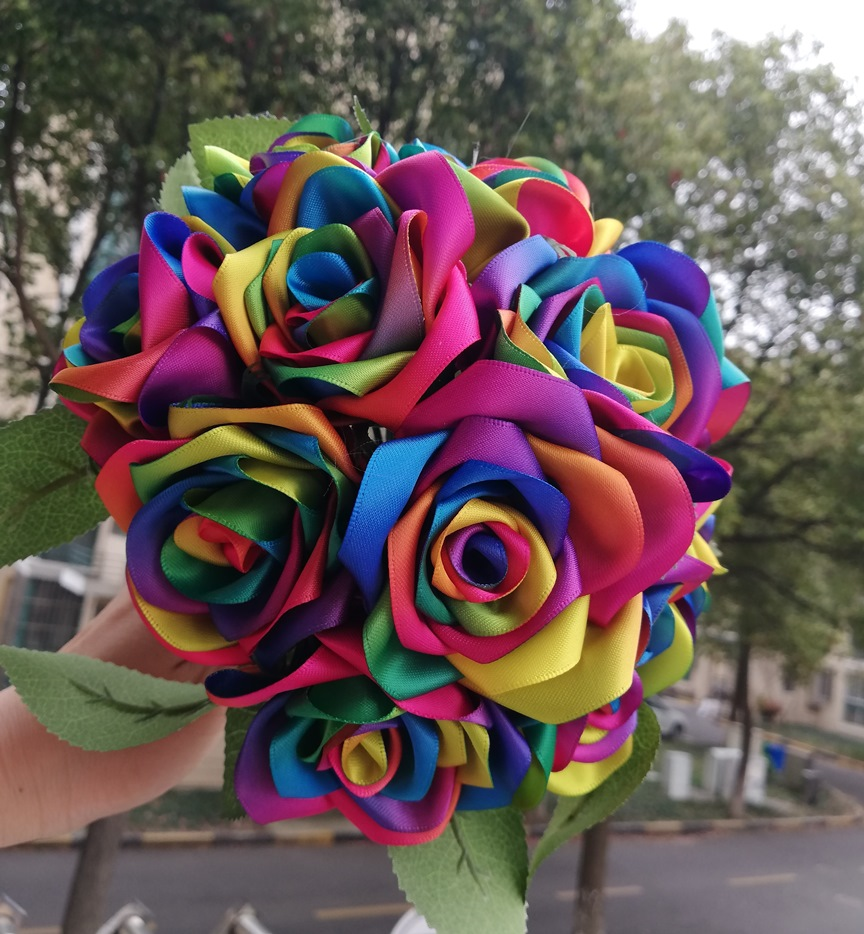 Купить с кэшбэком New Handmade Silk Ribbon rose rainbow colour rose flowers wedding flowers de mariage ribbon brooch home decoration
