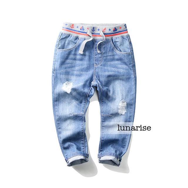 Новый 2016 Ребенок Эластичный Пояс Джинсовые брюки детские джинсы Отверстие дети мягкие ковбойские брюки оптом