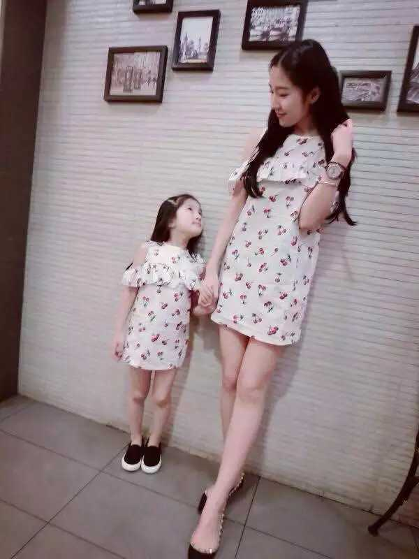 In Stock Family look clothing summer new cherry ruffled strapless princess matching mom mother daughter dresses clothes