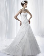 75-15 Beautiful Sweetheart Tulle A-line Appliques Wedding Dress Designer