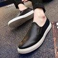 2016 Hot Plus Size Homens Sapatos de Moda de Nova Deslizamento Respirável Em Homens Planas Barco Sapatos de Couro Macio Preto