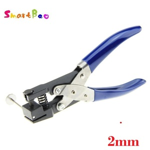 Image 5 - 2/3/4/5/6mm Locher für PVC Karte, Schutz Film, tag, DIY Hand Werkzeuge Durable Einzigen Runde Locher Hand Gehalten