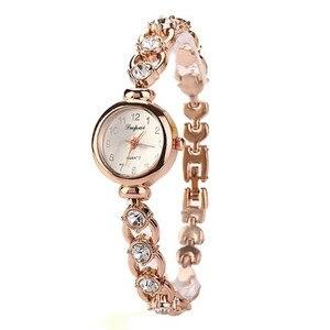 Image 3 - Dames élégantes montres bracelets femmes Bracelet strass analogique Quartz montre femmes cristal petit cadran montre Reloj # B