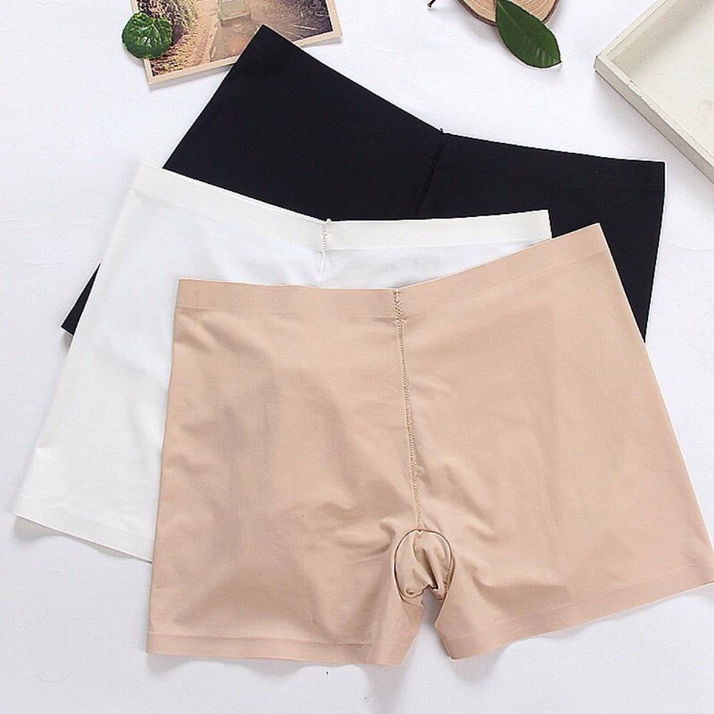 Фото под юбками в магазине фото 375-967