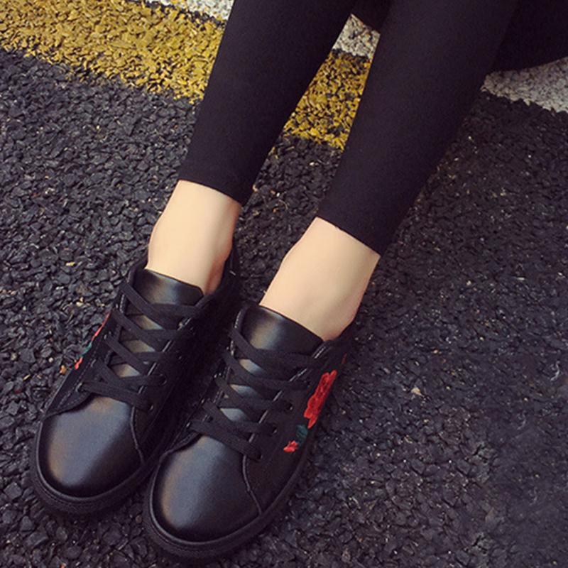 HTB1LkU.SXXXXXc5XXXXq6xXFXXXb - Women  Flower Creepers Flat Shoes JKP037