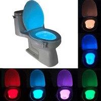 Sensor de inodoro lámpara asiento de inodoro levantador de LED de luz de la noche de 8 colores inteligente para automóbil activado cubeta accesorios de baño