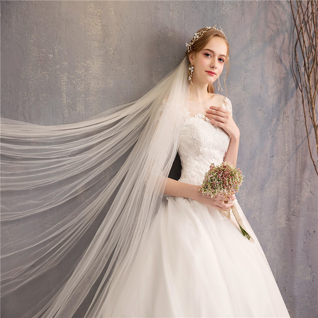 Half Sleeve Ball Gown Luxury Lace Embroidery Wedding Dress