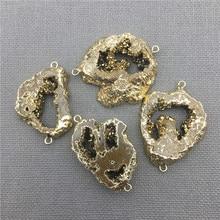 MY0409 حر الجيود العقيق druzy شريحة لون الذهب المطلي موصل ، الصف الذهب قلادة التيتانيوم لوح