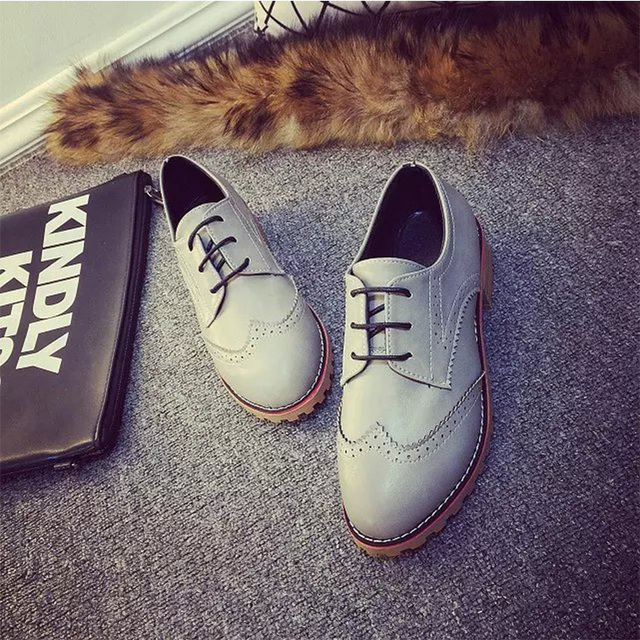 AD AcolorDay 2017  Trend Brogues Oxford Shoes for Women  Lace Up Vintage Leather Shoes Women Classic Flat Shoes Women Casual