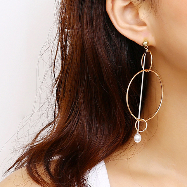 Grandes boucles d'oreilles or ou argent Boucles d'oreilles Bella Risse https://bellarissecoiffure.ch/produit/grandes-boucles-doreilles-or-ou-argent/