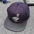 Yienws trendy men plaid snapback cap chapéu pai dos desenhos animados pombo Tampão Do Camionista Plana Abas Largas Chapéu Hip Hop de Surf Osso de couro C706