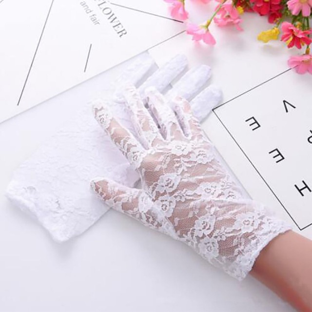 1Pairs New Party Sexy Dress Gloves Women Lady Lace Mittens Accessories Sunscreen Summer Full Finger Girls Lace Fashion Gloves 3