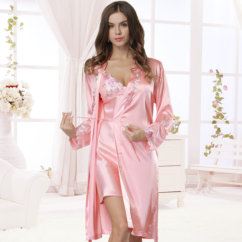 2018 Exquisite Silk Robe & Gown Sets Embroidered Bathrobes Silk Dressing Gowns for Women Satin Robe Sexy Padded Satin Night Gown