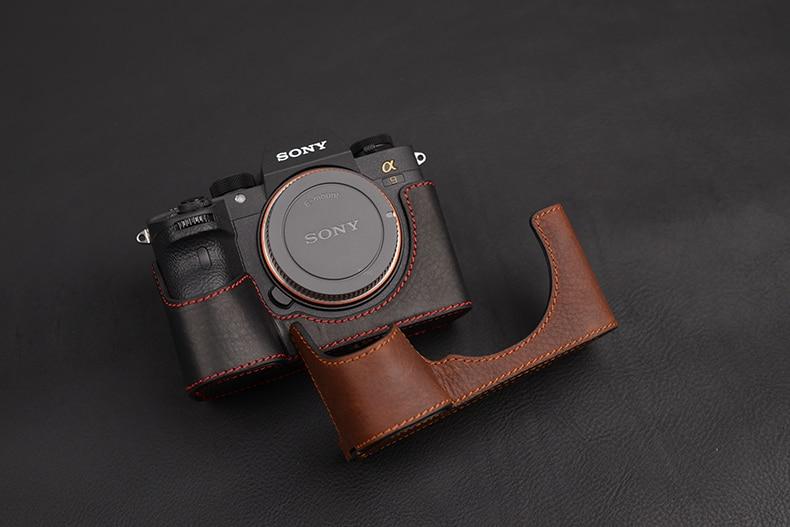 [VR] Fashion Genuine Leather Camera Case Bag Handmade Half Body For Sony A9 A-9 A7R-M3 A7R Mark III Handle Camera Bag Cover[VR] Fashion Genuine Leather Camera Case Bag Handmade Half Body For Sony A9 A-9 A7R-M3 A7R Mark III Handle Camera Bag Cover