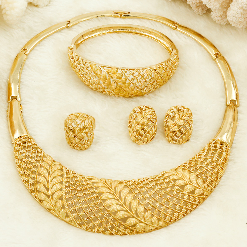 African Women Fashion Jewelry Bride Wedding Jewelry Sets 18 Gold Dubai Gold Design Hoop Ring Earrings Charm Bracelet Jewelry