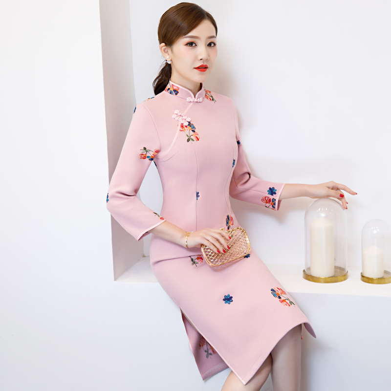 8ef99ab7074 Chinois Cheongsam Mince Light Laine Noble De Vintage Hiver Robes rouge  Femmes Robe Printemps Sexy Style ...