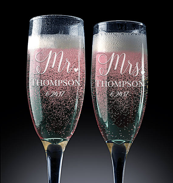 Us 23 99 20 Off Aliexpress Com Buy 2pcs Mr Mrs Wedding Champagne Flutes Personalized Champagne Flute Wedding Favors Custom Name Date With Heart