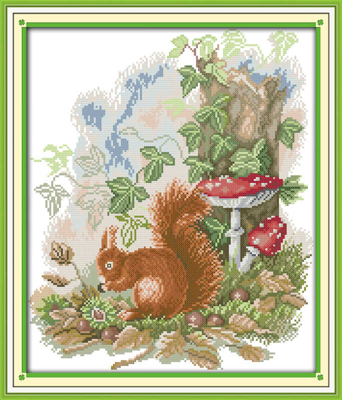 The little squirrel foraging cross stitch kit 18ct 14ct 11ct count printed canvas stitching embroidery DIY handmade needlework