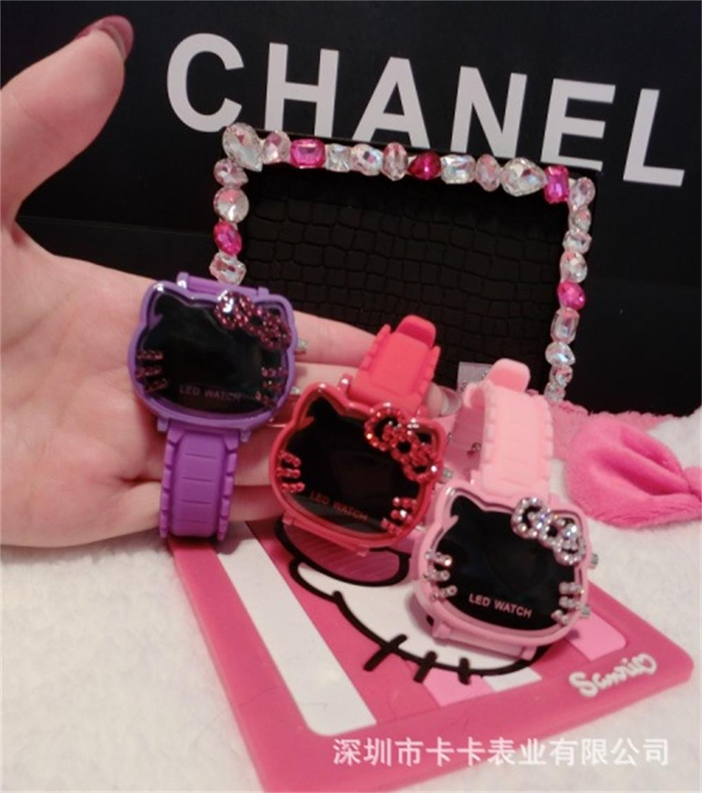 Costume Props Animation Hello Kitty Magnifier Clock Wrist Hello Kitty Pink Gemstone With Diamonds Watches Children Electronic Watch Cosplay Soft And Light
