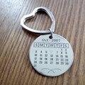 Персонализированный календарь Брелок, нержавеющая сталь кольцо для ключей, индивидуальные Брелок ручной штамп особая дата брелок для мужа boyfrie