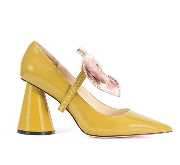 Robe noeud Pointu Papillon Haute Mouther Carole Femme jaune Profonde Chaussures Noir Talons Épais Peu Bout Talon Strass Prélèvement Mode Pompes Tpxwz1q