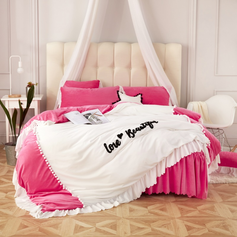 2017 New Winter Fleece fabric Bedding Set Princess style Bedding Sets bed skirt Pillowcase Bed Linens Deisiner Duvet Cover2017 New Winter Fleece fabric Bedding Set Princess style Bedding Sets bed skirt Pillowcase Bed Linens Deisiner Duvet Cover