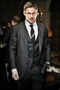 New Style Groom Tuxedo Charcoal Grey Groomsmen Peak Lapel Wedding/Dinner Suits Best Man Bridegroom (Jacket+Pants+Tie+Vest) B547