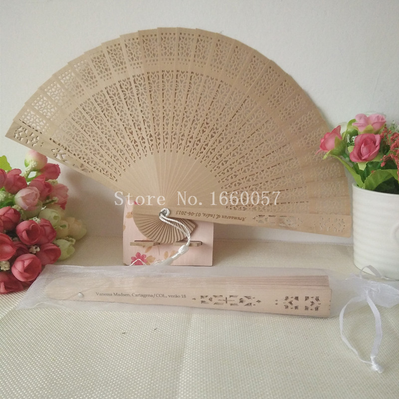 100pcs Wedding Favor Gift Personalized Sandalwood Cutout Hand Folding Fans Organza Bag Customized Engraved Names Text