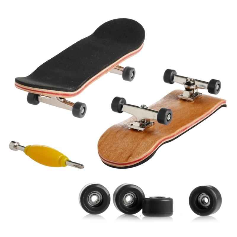 1 Набор деревянный скейтборд с коробкой, Детская колода, спортивная игра, подарок клен, новинка, пальчиковая игрушка для взрослых детей, 6 цветов - Цвет: Черный