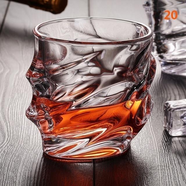 Creative engraved design whiskey glasses