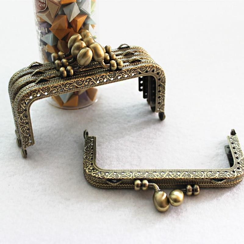 Purse Frame Hanger Embossing Rectangle Bronze Metal Kiss Clasp Purses Handle Accessories Handbag Handmade Diy Bag Parts KZ151323