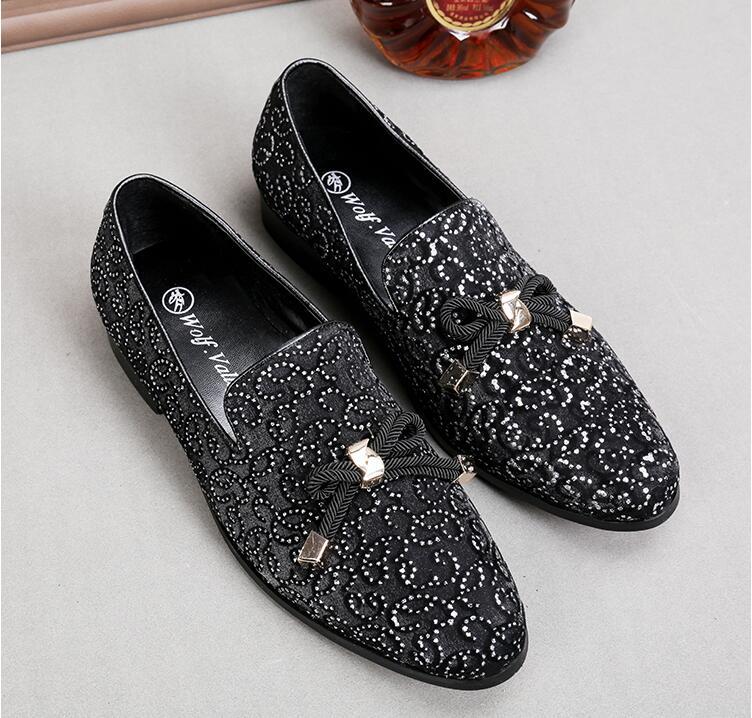 Модный Роскошный Повседневный формальный обувь для мужчин черный/красный Натуральная кожа кисточкой мужские свадебные туфли золотые металлические мужские лоферы со стразами - 4