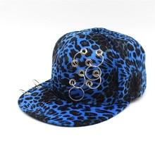 2018 moda Hip Hop Snapback Caps Leopard gorra de béisbol ala plana sombreros  hierro anillos Sunhat b8697017b018
