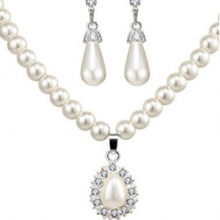 2018 Hot Jewelry Set Fashion Pearl Necklace Earrings Stud Set Stud Earrings for women wholesale Water Drop Necklaces(China)