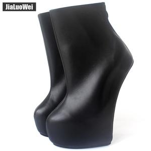 Image 1 - Jialuowei 20cm גבוהה העקב 5cm פלטפורמה סקסי פטיש ללא עקבי מוזר סגנון בלעדי ponying העקב חזרה zip אופנה קרסול מגפי בלט