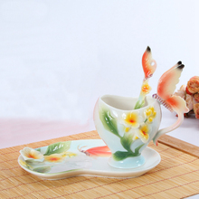 Bone China Keramik Emaille Kaffeetasse Europäischen 3D Kreative Schmetterling und Blume Becher tassen für Hochzeitsgeschenk