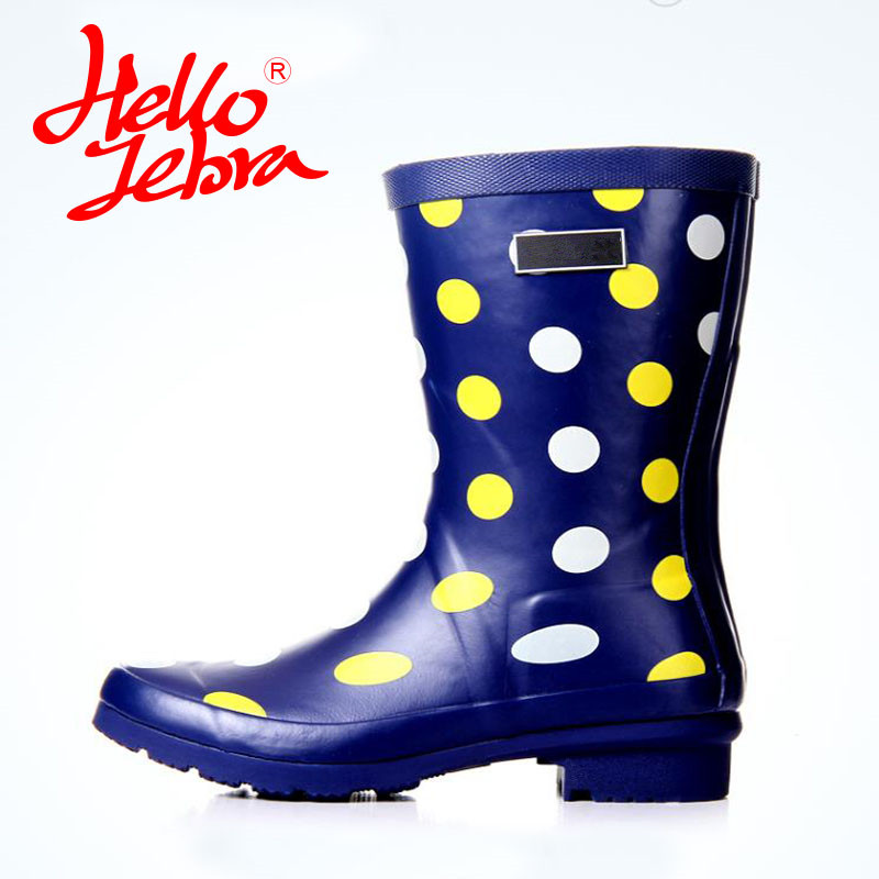 Hellozebra Women Rain Boots Lady High shoes platform Soft boots Low Heels Waterproof Buckle Polka Dot 2017 New Fashion Design hellozebra women rain boots waterproof fashion rubber elastic band solid color raining day shoes low heel 2017 autumn new href