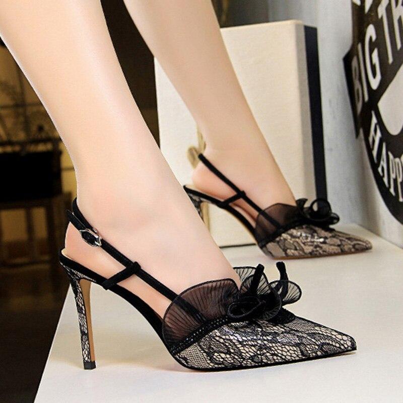 cf59d70eca5e58 Fleur Chaussures Soirée Femmes or Hauts Pompes Sandales Nouvelle Sexy 2019  Noir Talons De Mode Stilettos Dentelle argent ...