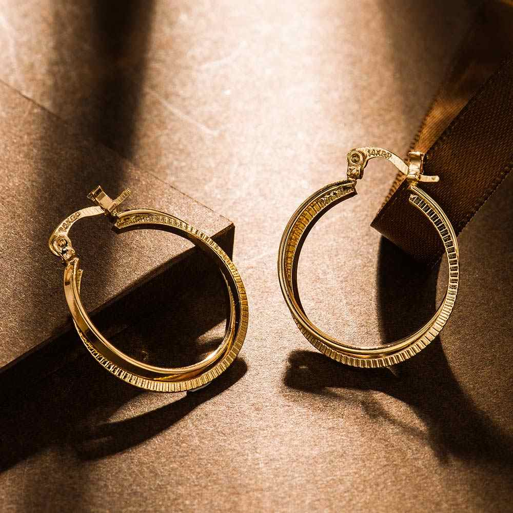 Viennois Fashion Jewelry Gold Color Geometric Stud Earrings For Women Love Heart Eternal Everyday Earring