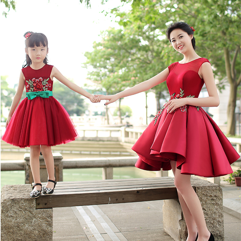 Family Fitted Mom and Daughter Red Dress Children Princess Skirt Women Wedding Photo Studio Photographic Clothes tassel insert back fitted dress