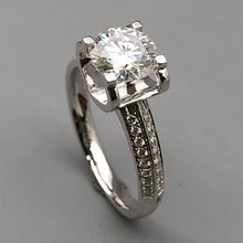 e21dfb73b5f9 1 quilate 18 K oro blanco anillo de diamantes anillo de corazón amor  clásica para las mujeres boda fiesta aniversario anillo de .
