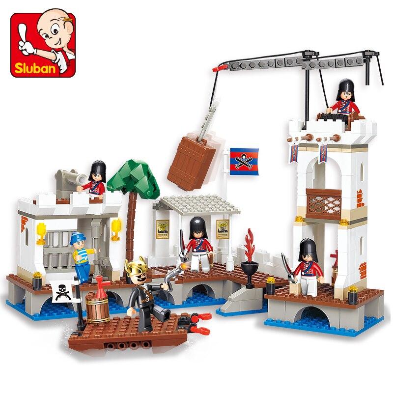 Sluban B0280 Caribbean Pirate Attack Royal Harbor Soldier Building Blocks Toy